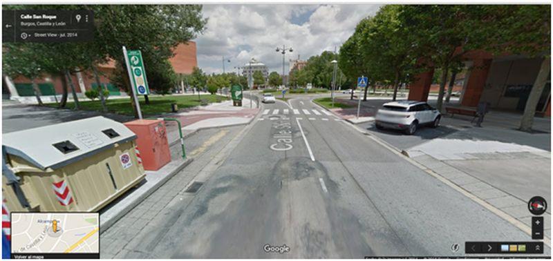 Vista de paso de peatones y paso cilista de calle San Roque confluencia con c/ Esteban Saenz de Alvarado (captada por Strett view de Google)
