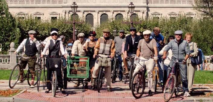 bicis clásicas. foto de grupo