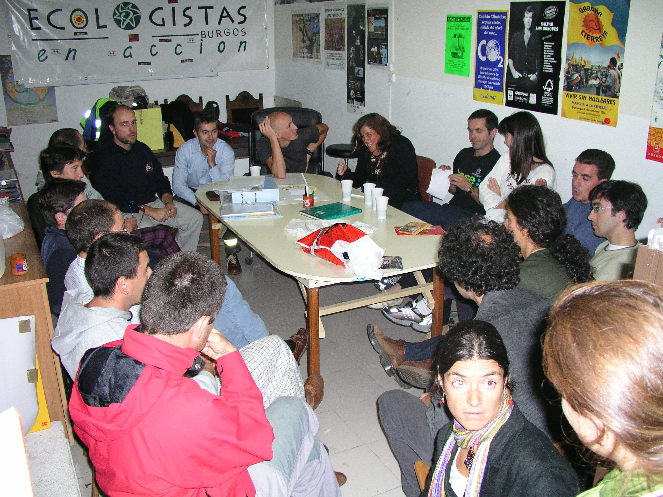 Año 2003 Reunión de Burgos Con Bici en el Local de Ecologistas