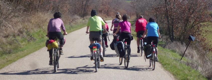 grupo de ciclistas