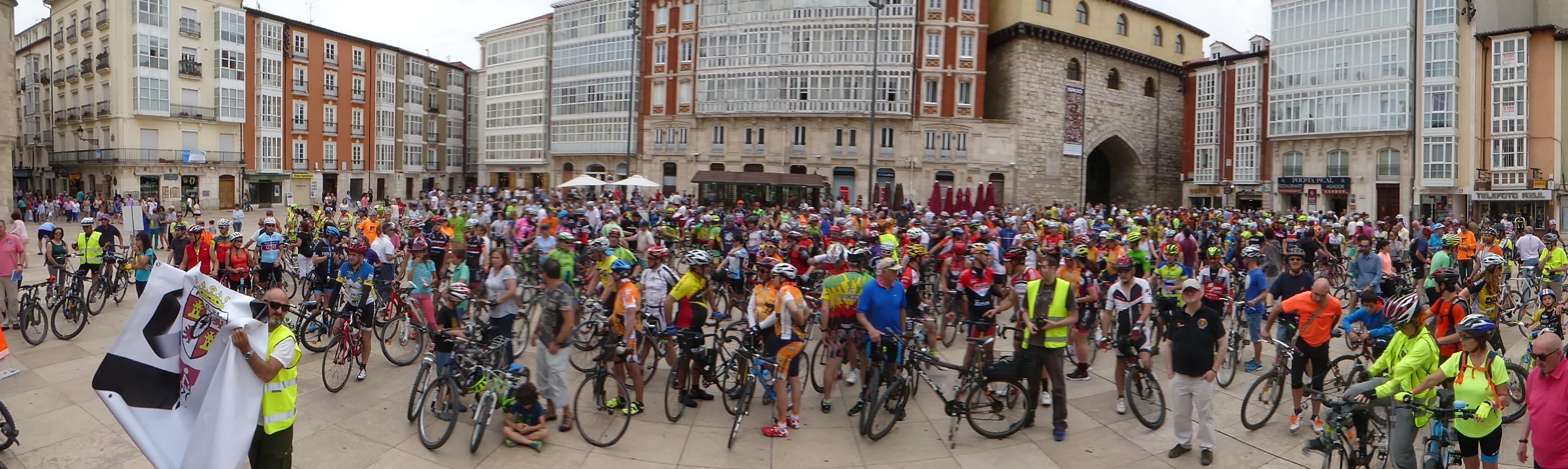 600 Ciclistas en la Pl. del Rey S. Fernando