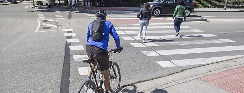 Paso ciclista en puente de Plaza Castilla, burgos