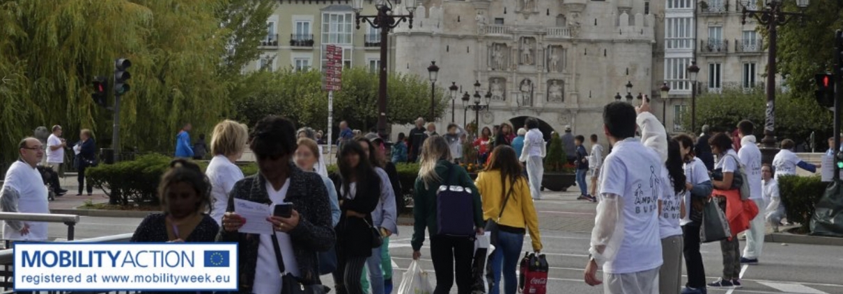 Acción de la asociación Andando Burgos. Trazado provisional de paso de peatones en línea recta desde Plaza Vega a Puente de Santa María